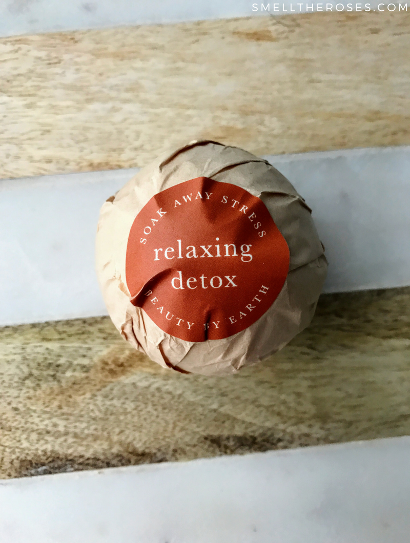 Beauty by Earth Relaxing Detox Bath Bomb
